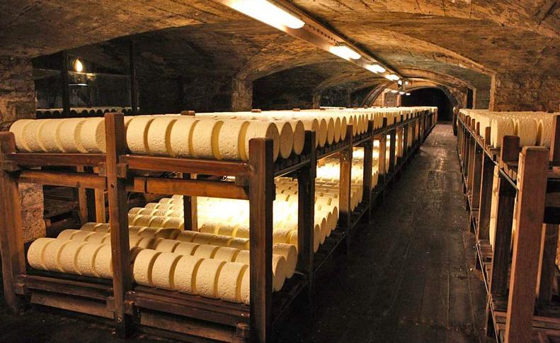 Cave de Roquefort Société. Source: www.roquefort.fr