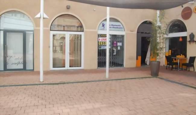Boutique centre ville roche sur yon 85000 1 locaux - Boutique orange la roche sur yon ...
