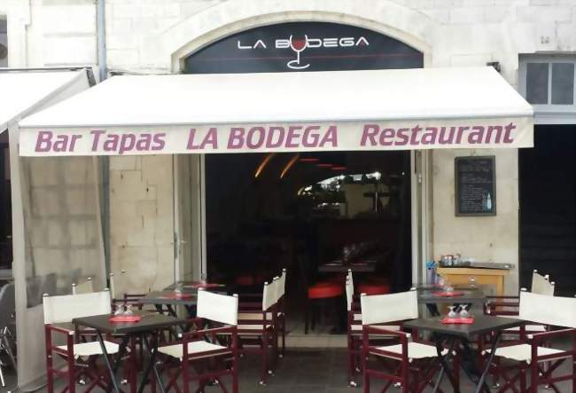 Restaurant brasserie vieux port 60m rochelle 17000 1 entreprise - Restaurant vieux port la rochelle ...