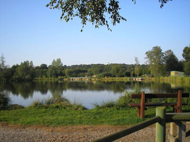 L'étang de la Cour - Larchamp (61800) - Orne