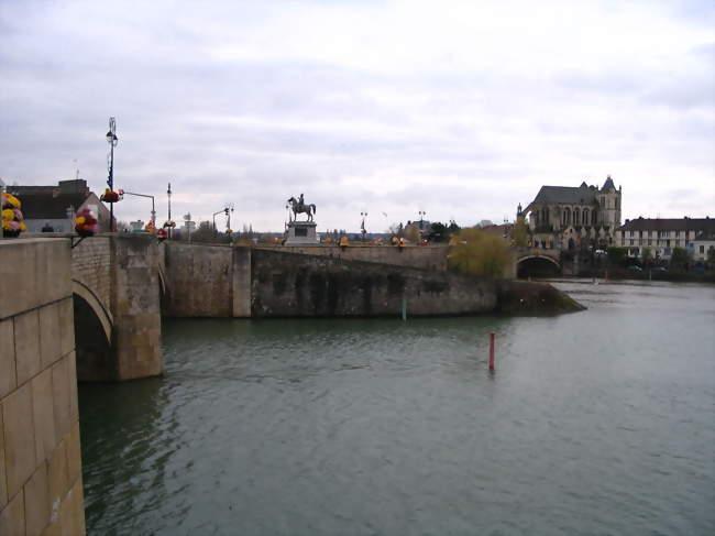 Montereau Fault Yonne 77130 Vivre Et S 39 Installer
