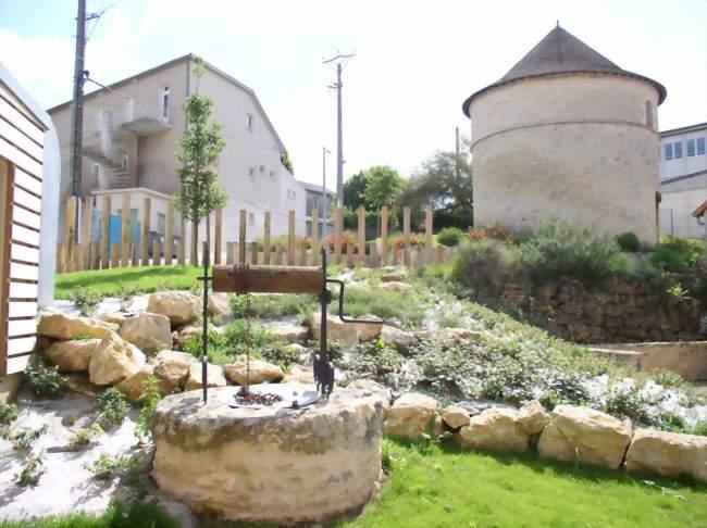 Circuit des pigeonniers de vouill les visites guid es de l office de tourisme du vouglaisien - Office tourisme marseille visites guidees ...